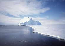 View of the Riiser-Larsen Ice Shelf in Antarctica.jpg