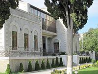 Villa Petrolea back.jpg