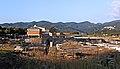 Vista sull'area archeologica e il museo dell'antica città di Luni.jpg