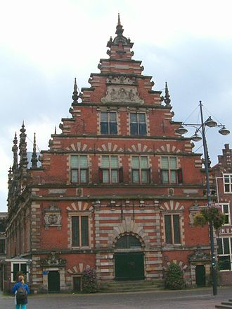 Lieven de Key - The Vleeshal at the Grote Markt in Haarlem is a prime example of the work of Lieven de Key. It was built in 1602-1604. The large Haarlem shield on the front is attributed to Hendrik de Keyser, and some decorations are from drawings by Hans Vredeman de Vries.