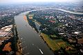 Vue aérienne du Rhin à Dusseldorf.jpg