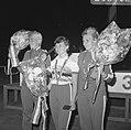 WK Wielrennen, sprint finale dames. Nummers 1.2 en 3 dames sprint op podium, Bestanddeelnr 920-6402.jpg