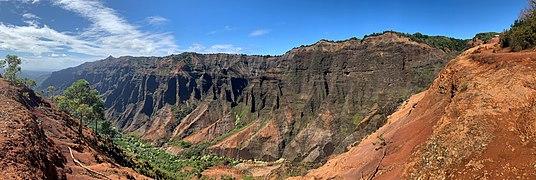 Waimea Canyon, Kauai, Hawaii.jpg