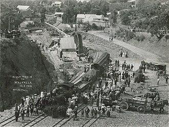Walhalla railway station - Image: Walhalla 1910 first train