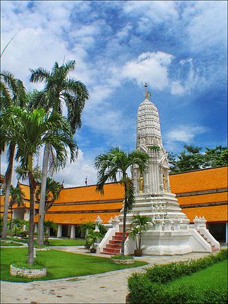 Wat Mahathat Yuwaratrangsarit - Image: Watmahathatbkk 0609c