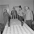 Wekelijkse professionele blindproeverij van wijnboeren in het raadhuis van Kröv, Bestanddeelnr 254-3911.jpg