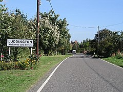 Welcome To Luddington - geograph.org.uk - 58998.jpg