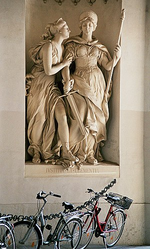 English: Allegorical statues of Iustitia (righ...