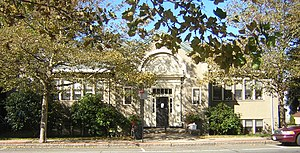 Thomas Crane Public Library - The Wollaston Branch