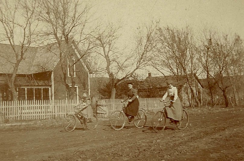 Women on bicycles, late 19th Century USA