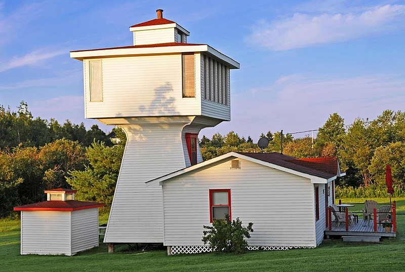 File:Woody Point Lighthouse.jpg