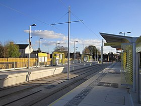 Wythenshawe Park Metrolink station (4).jpg