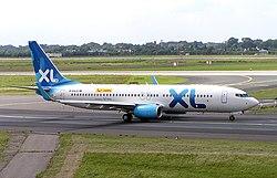 XL Airways Boeing 737-800 D-AXLD DUS.jpg