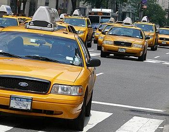 English: Yellow cabs in Manhattan. Nederlands:...