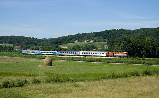 ŽRS class 441 between Ljeskove Vode and Rakovac.jpg