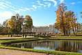 Вид на Екатерининский дворец осенью.jpg