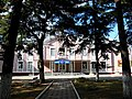 Здание первой школы города.jpg