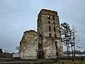 Руїни оборонної башти та костьолу.jpg