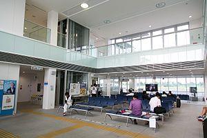 Chōfu Airport - Image: 朝8時9分 2016 (29387086751)