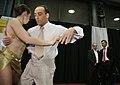 10.08.31 Macri saluda a los competidores del Campeonato Mundial de Tango.jpg