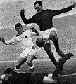 1961–62 Serie A - AC Milan v Bologna FC - Trapattoni, Vinício and Ghezzi.jpg