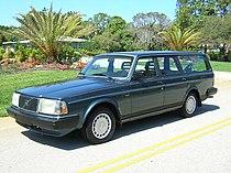 1990 volvo 240dl wagon 2.jpg
