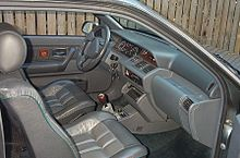 https://upload.wikimedia.org/wikipedia/commons/thumb/0/08/1993_Renault_Clio_Baccara_interior.JPG/220px-1993_Renault_Clio_Baccara_interior.JPG