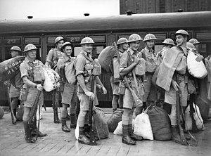 2/19th Battalion (Australia) - Troops from the 2/19th await embarkation from Sydney on 5 February 1941
