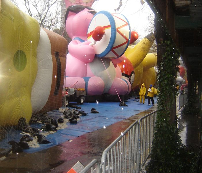 File:2006 Thanksgiving Day Parade.jpg