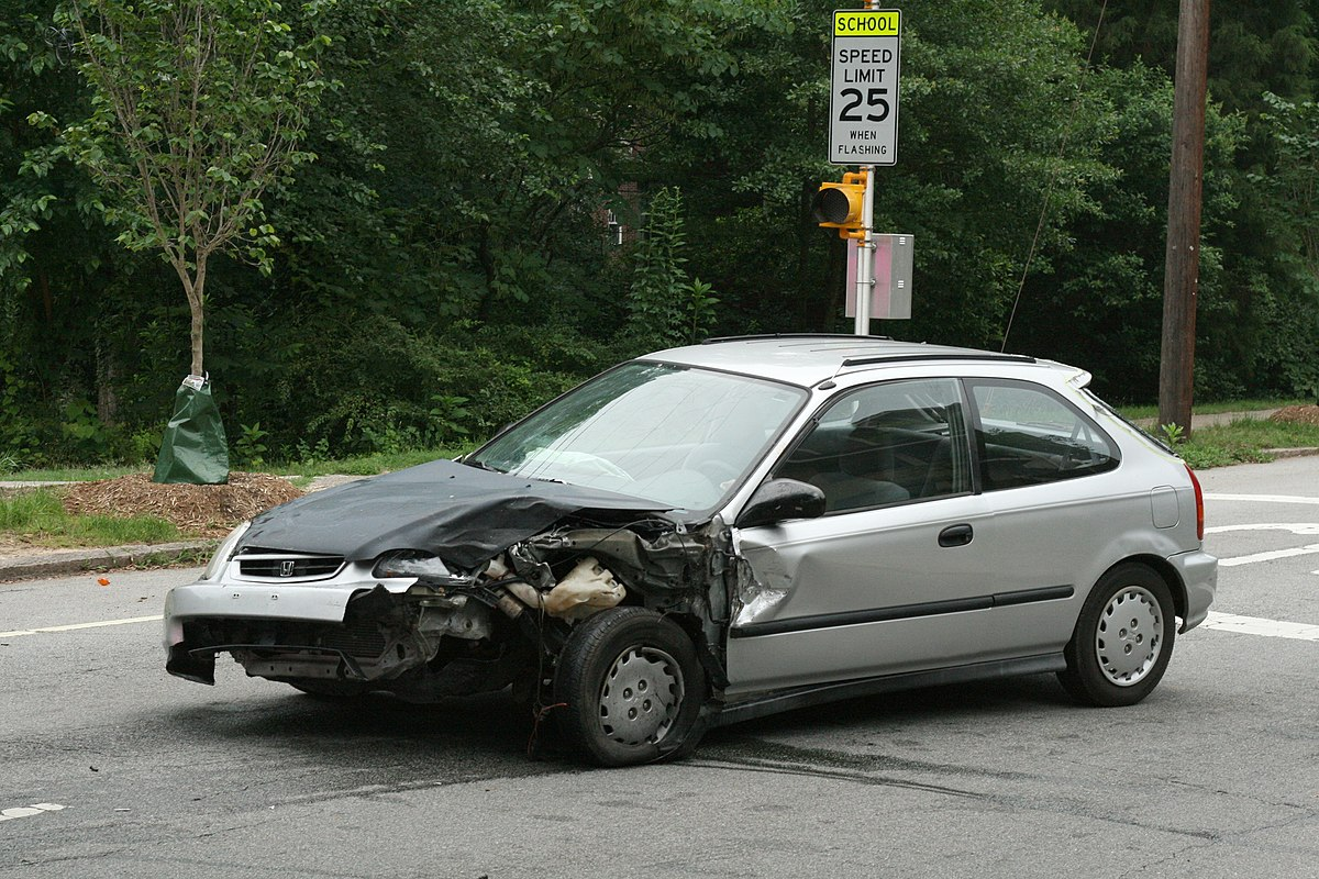 2010-05-30 Wrecked Honda Civic DX on Gregson St in Durham.jpg