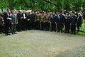2012-05-08 Gedenkbuch für die ermordeten Zwangsarbeiter auf dem Ehrenfriedhof am Maschsee-Nordufer (16) zahlreiche Gäste.jpg