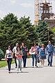 2014 Prowincja Armawir, Wagharszapat, Ludzie przed katedrą w Eczmiadzynie (01).jpg