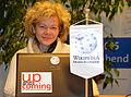 2015-11-24 Die Künstlerin Corinna Luedtke am Rechner im Wikipedia-Büro Hannover.jpg
