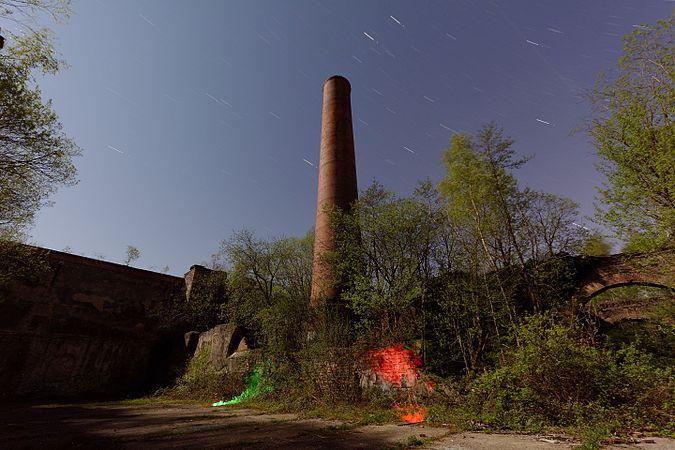 2017-04-08 22-03-47 lightpainting-puits-arthur.jpg
