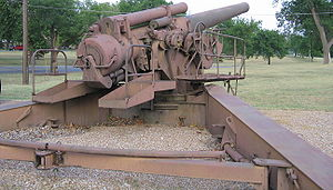 240 mm howitzer M1 - Image: 240mm Howitzer M1Fort Sill Rear 2005