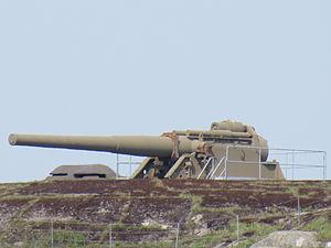 24 cm cannon M04 at Älvsborgs fästning.JPG