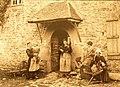686 Philippe Tassier Femmes au rouet et à la quenouille Langonnet.jpg