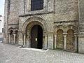 Abbatiale Saint-Benoit de Saint-Benoit, portail.JPG