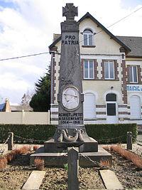 Achiet-le-petit monument aux morts.jpg