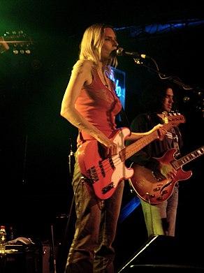 Aimee Mann in performance (15 October 2005).jpg