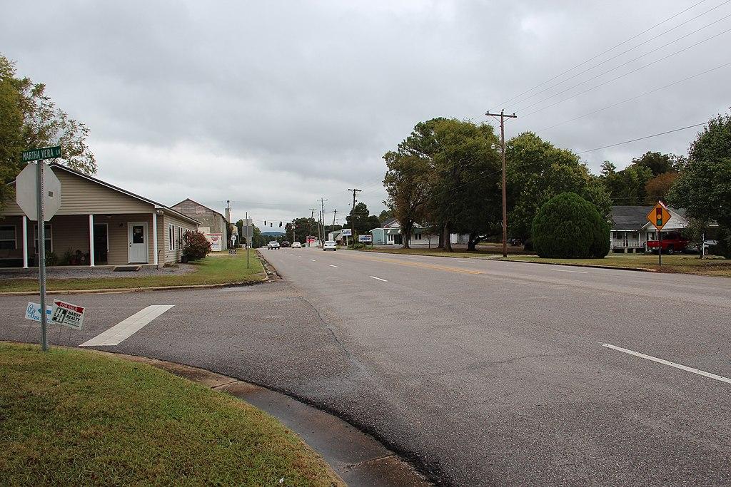 Alabama State Route 68 in Cedar Bluff.JPG