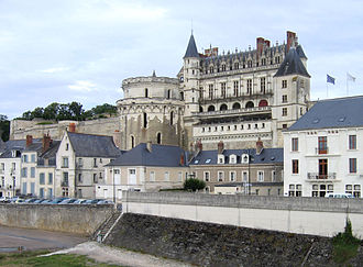 Château d'Amboise - The château rises above its surrounding town