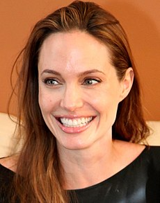 Angelia Jolie april 2012