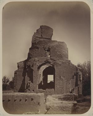 Saray Mulk Khanum - This photograph of the Bibi Khanum mausoleum in Samarkand (Uzbekistan) is from the archaeological part of Turkestan Album.