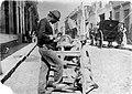 Archivo General de la Nación Argentina 1870 Buenos Aires. Afilador callejero.jpg