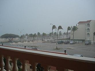 Hurricane Felix - Felix passing Aruba