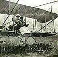 Auguszta főhercegnő első fölszállása Warchalovsky repülőgépén.jpg