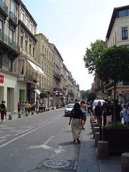 Rue de la Republique, the city's central boulevard Avignon shops.jpg