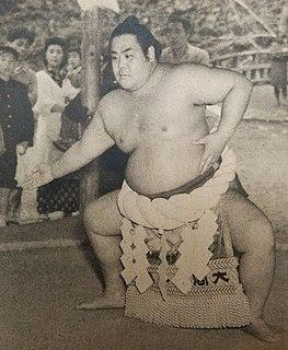 Azumafuji Kinichi Japanese sumo wrestler