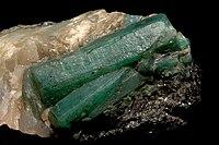 Béryl var. émeraude sur quartz (Carnaiba Mine Bahia - Brésil).jpg